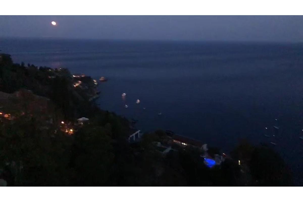 Aspettando i Nastri d'Argento in una Notte di Luna Rossa a Taormina