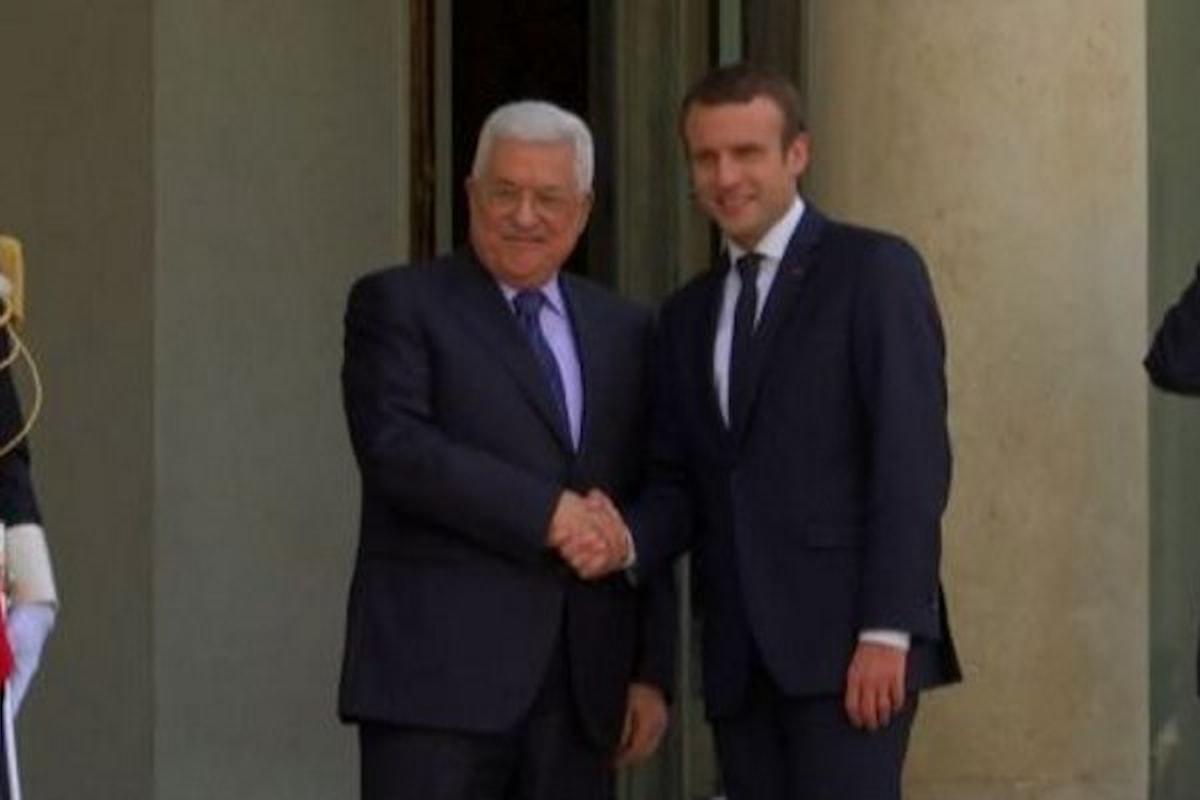 Mentre continuano gli scontri in Cisgiordania Abu Mazen incontra Macron a Parigi
