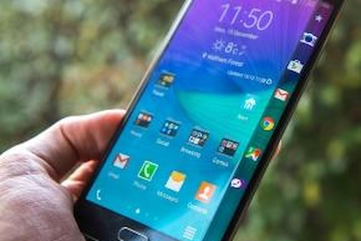 Galaxy Note 7 - stop alla produzione - il telefonino si incendia tra le mani