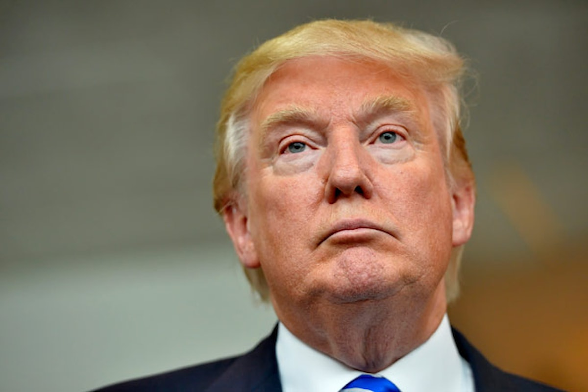 Un documento degli 007 mette in difficoltà Trump: Russia, prostitute e golden shower