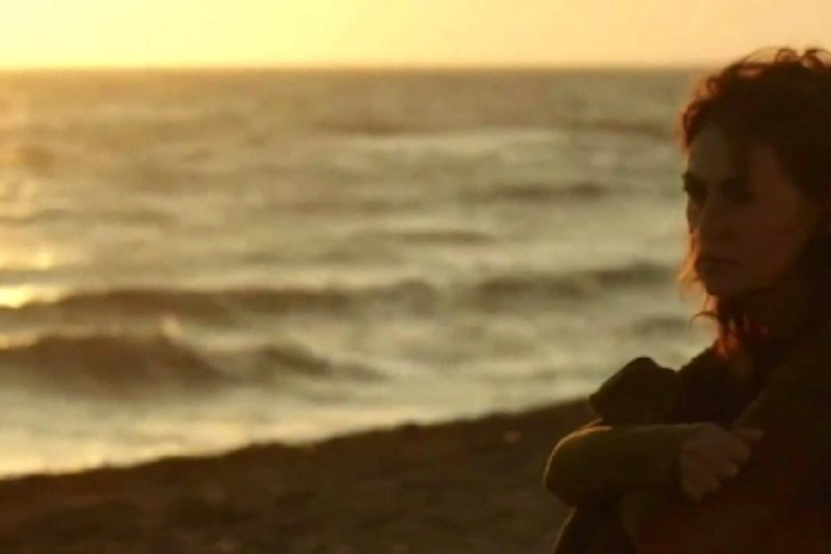 """""""L'amore rubato"""" di Irish Braschi con Elena Sofia Ricci contro la violenza sulle donne"""