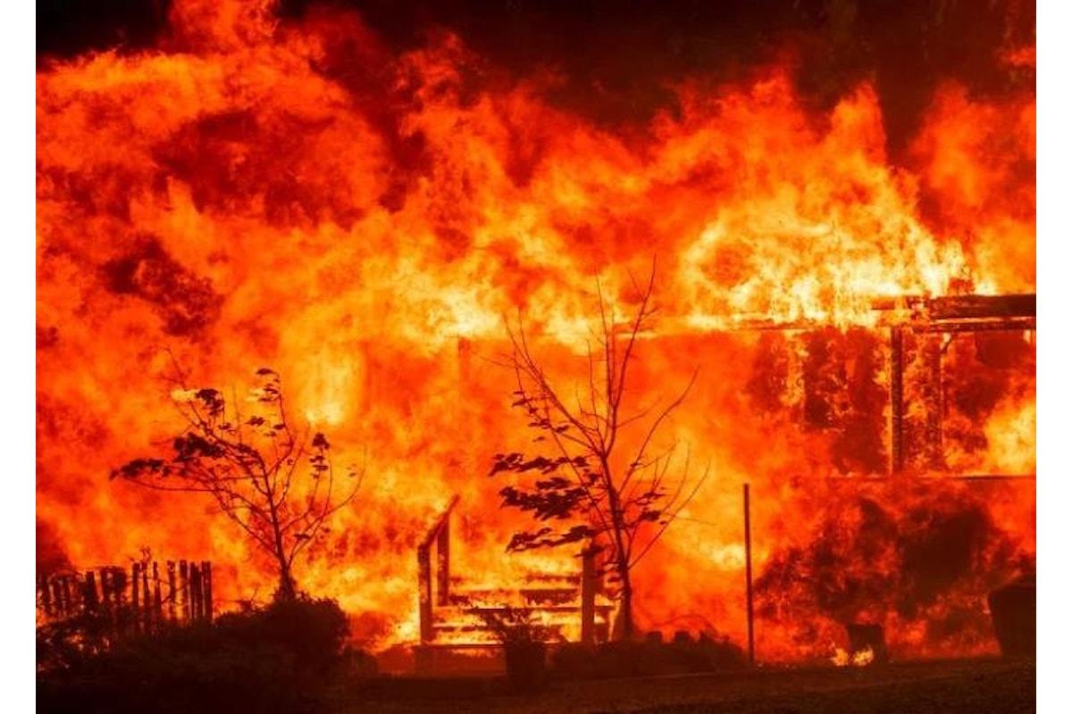 Di nuovo fiamme in California. Ad essere colpita stavolta è la contea di Mendocino