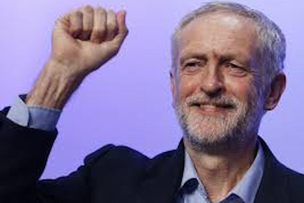 Jeremy Corbyn preoccupa i vertici NATO