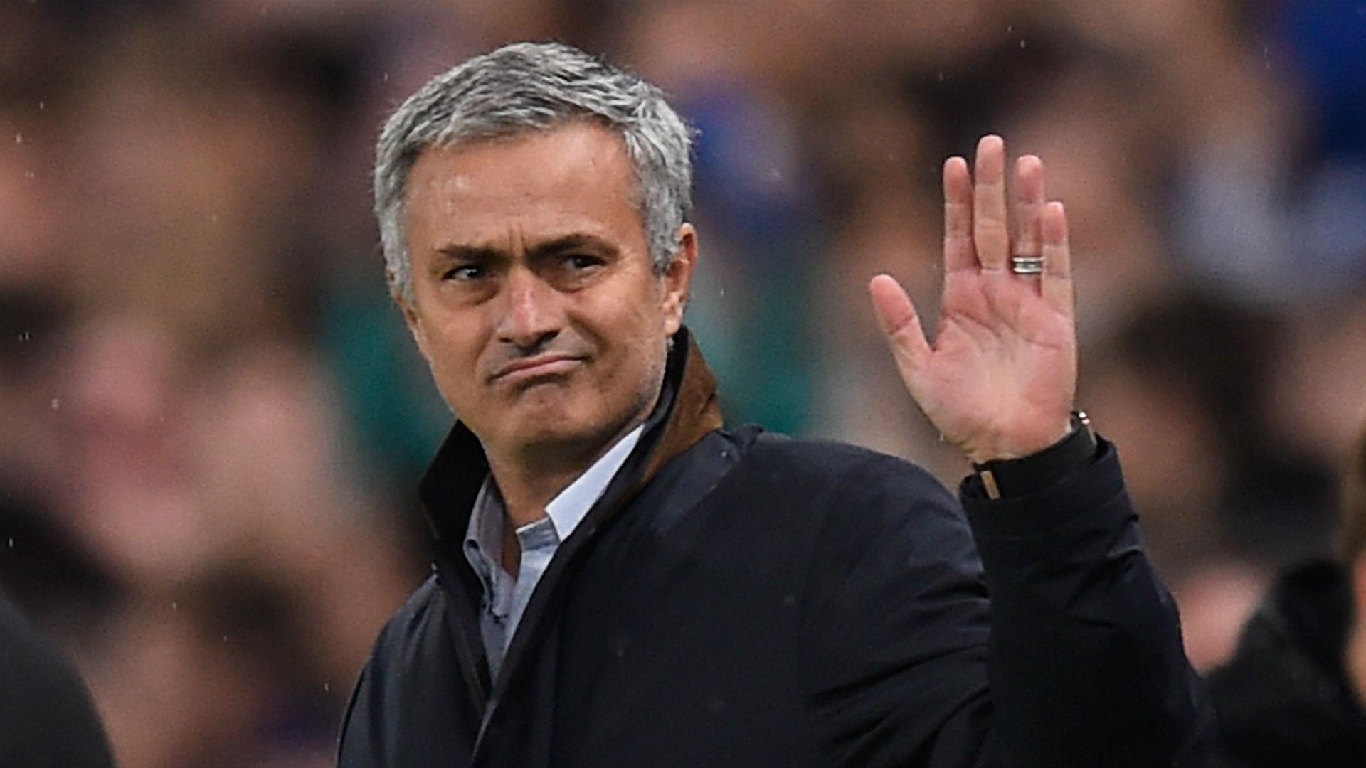 Josè Mourinho e il panettone con i diamanti...