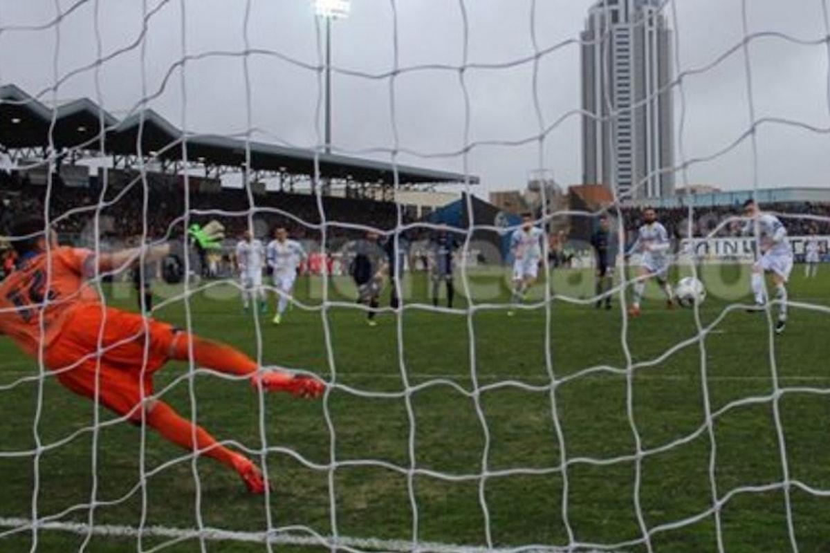 Il Derby va al Frosinone, che guadagna terreno su Verona, Benevento e Spal