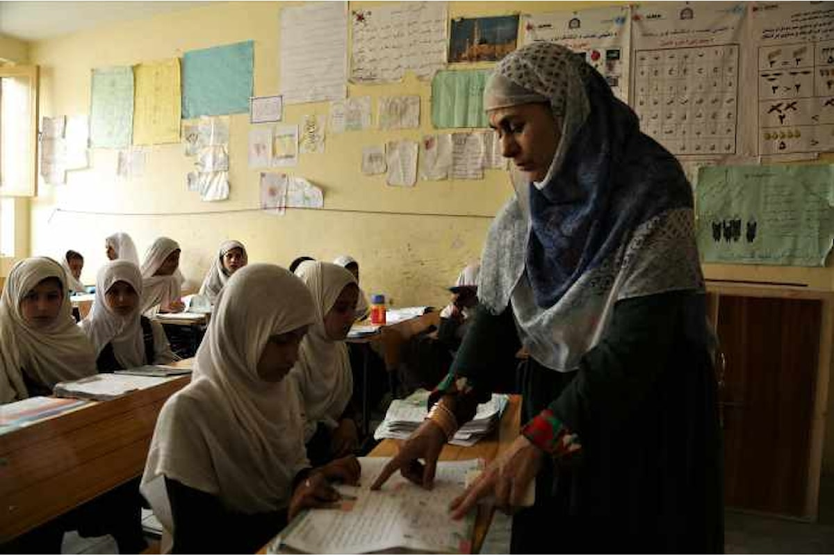 In Afghanistan circa la metà dei bambini non va a scuola. Ecco perché è un grave problema
