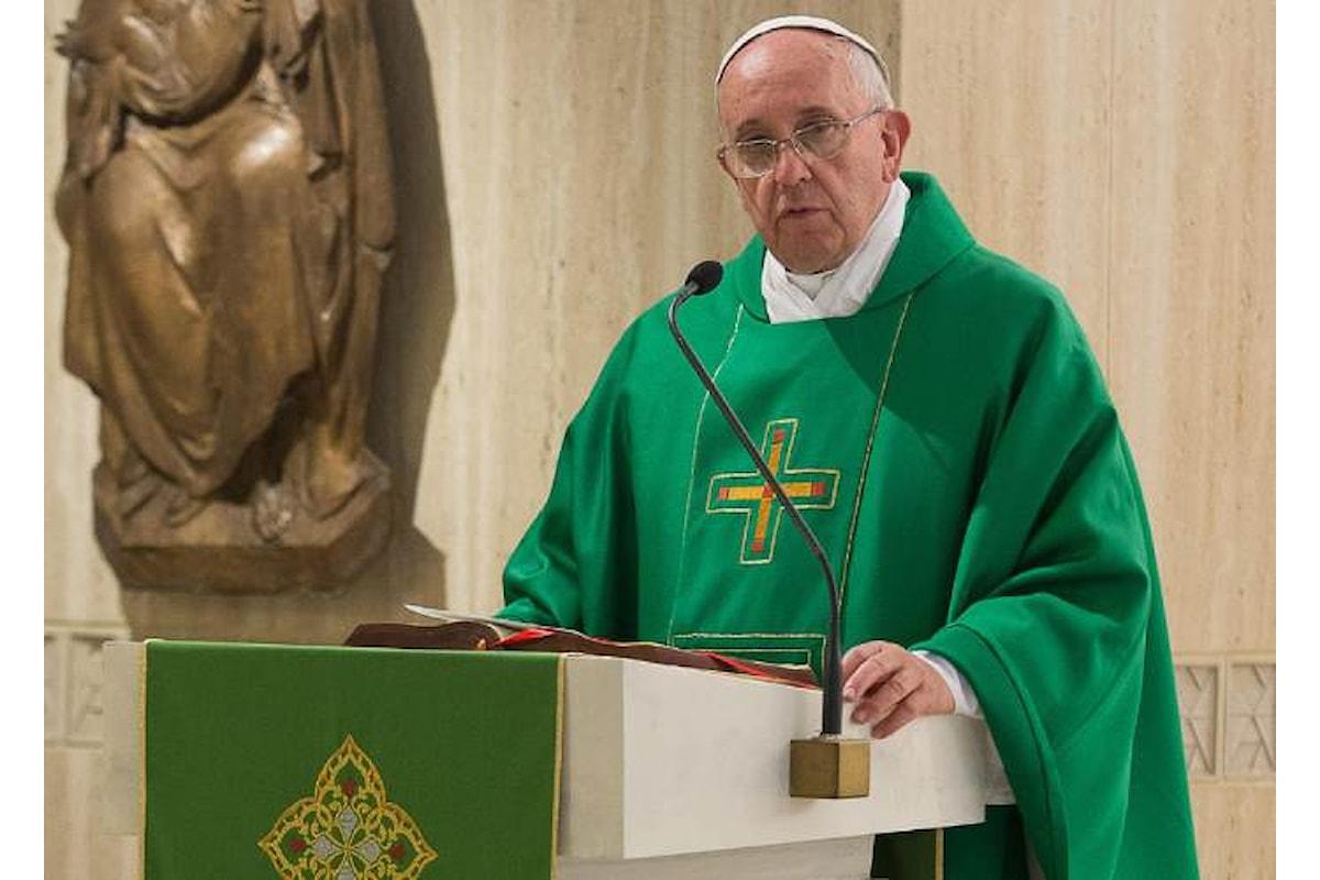 Il Papa risponde alle accuse di Viganò... con il silenzio