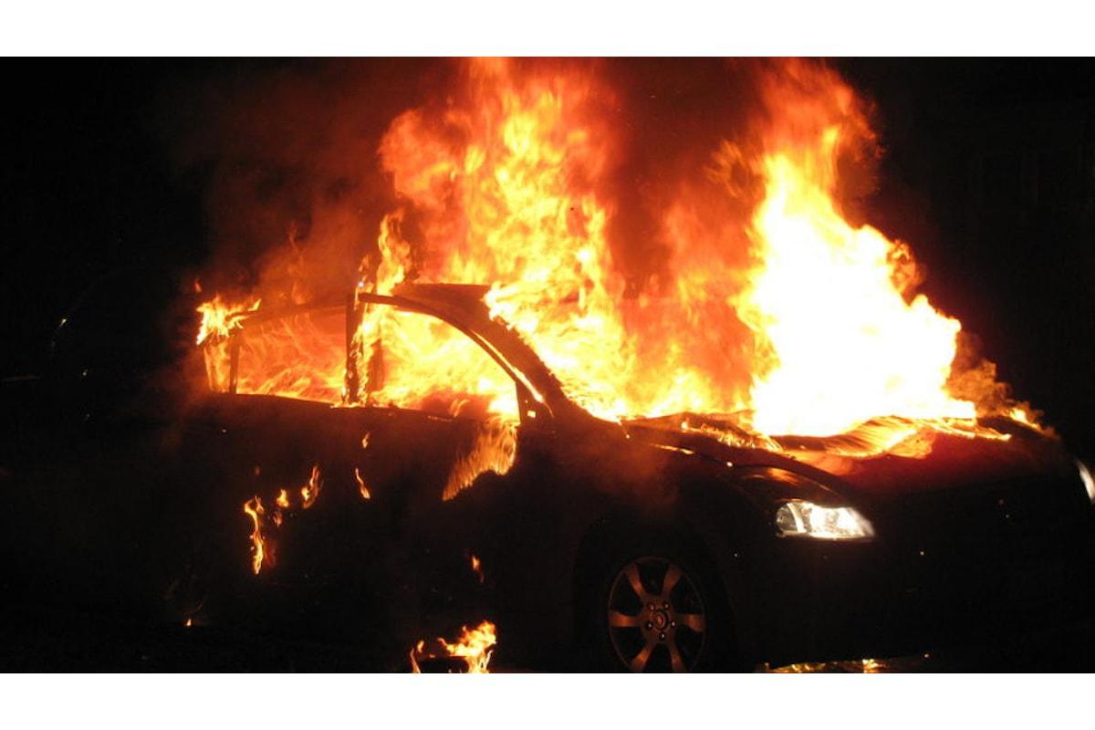 Incendiata l'auto del vice sindaco a Gela, l'episodio è di natura dolosa