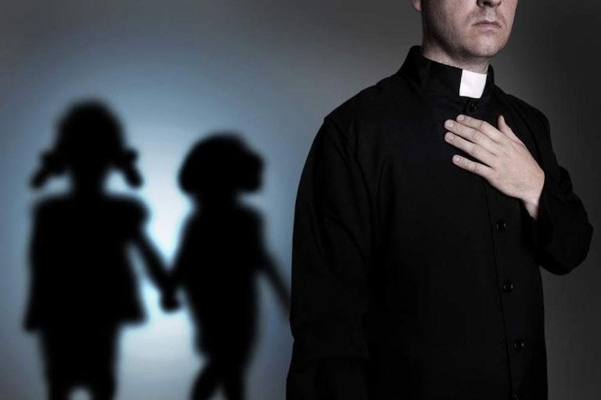 Pedofilia: collaborate, la preghiera della Curia di Napoli