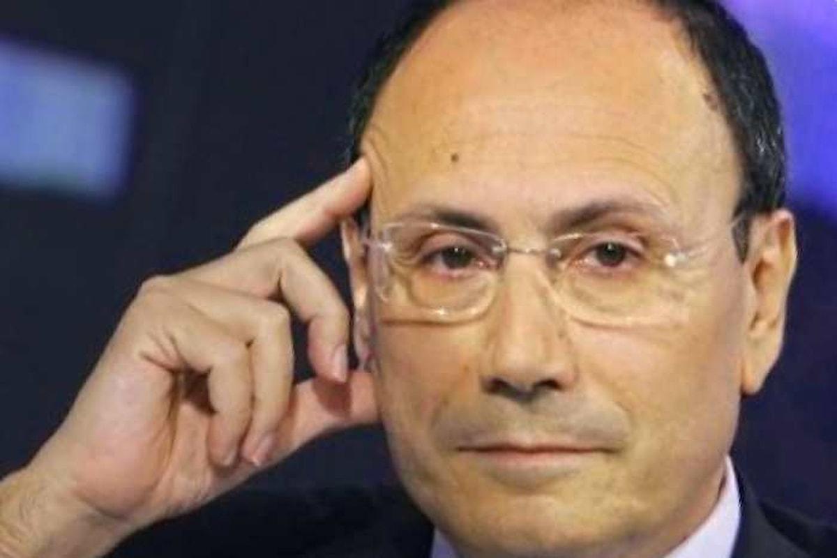 Renato Schifani annuncia le dimissioni da capogruppo al Senato di Area Popolare