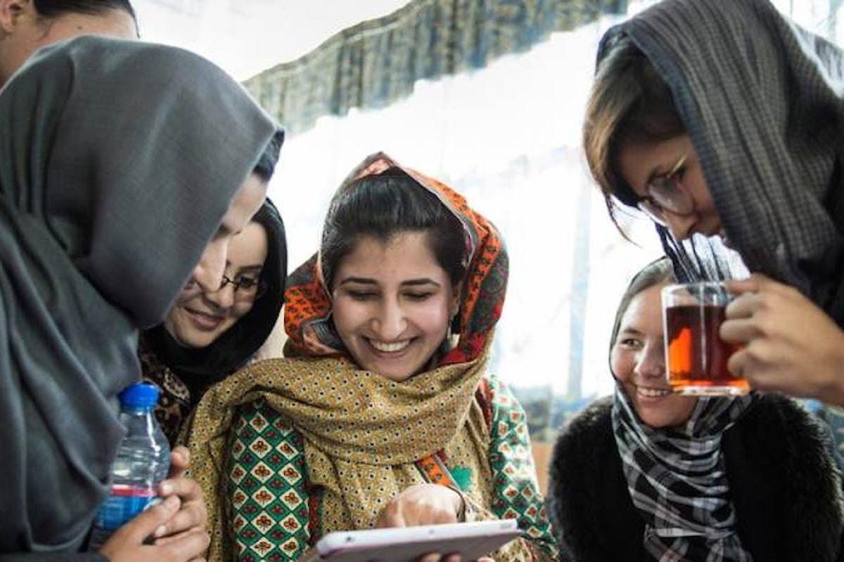 Afghanistan, militari italiani ospitano una mostra fotografica realizzata da giornaliste di Herat