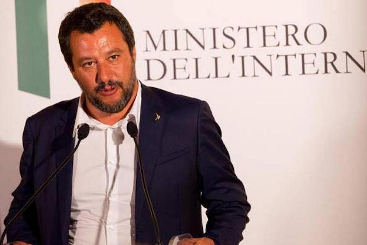 Migranti a bordo della Diciotti, Salvini vuole violare il diritto internazionale minacciando di sbarcarli in Libia