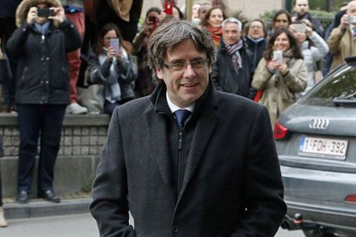 La giustizia belga rimanda al 4 dicembre la decisione se estradare o meno Puigdemont e gli altri membri dell'ex governo della Catalogna