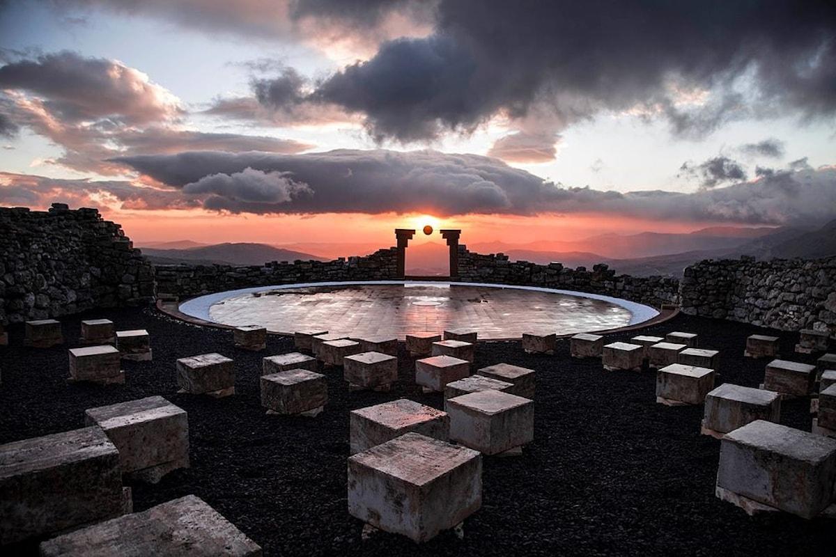 Il pastore-scultore e il suo teatro di pietra più alto del mondo