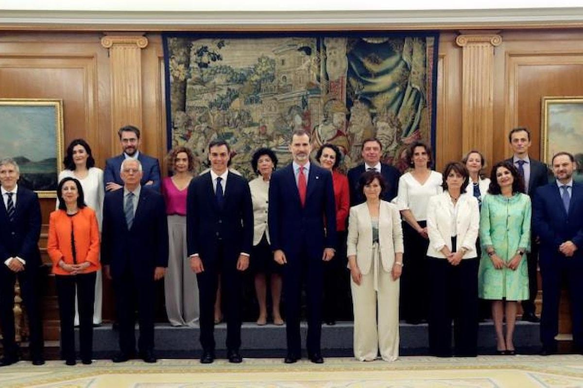 Ha giurato il nuovo governo della Spagna, le donne sono in netta maggioranza