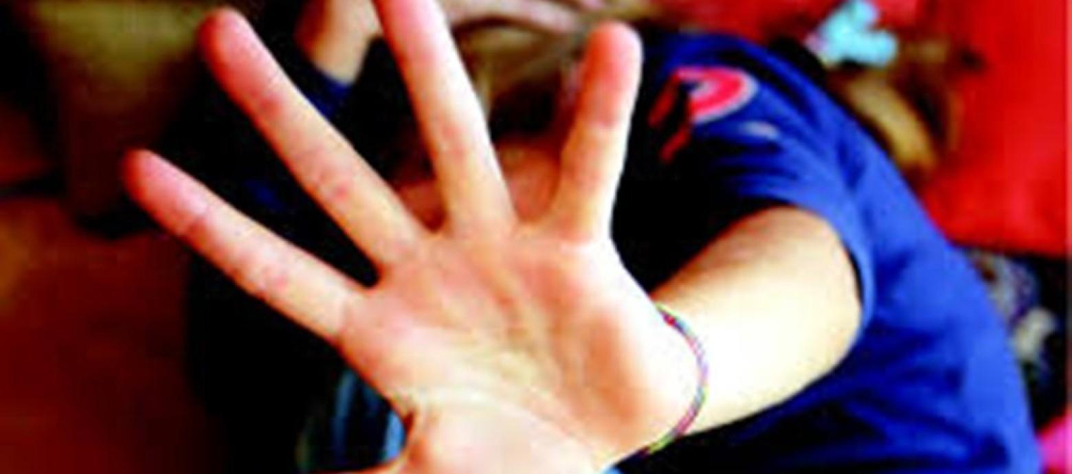 NAPOLI - Studentessa violentata da rumeno: evitato linciaggio
