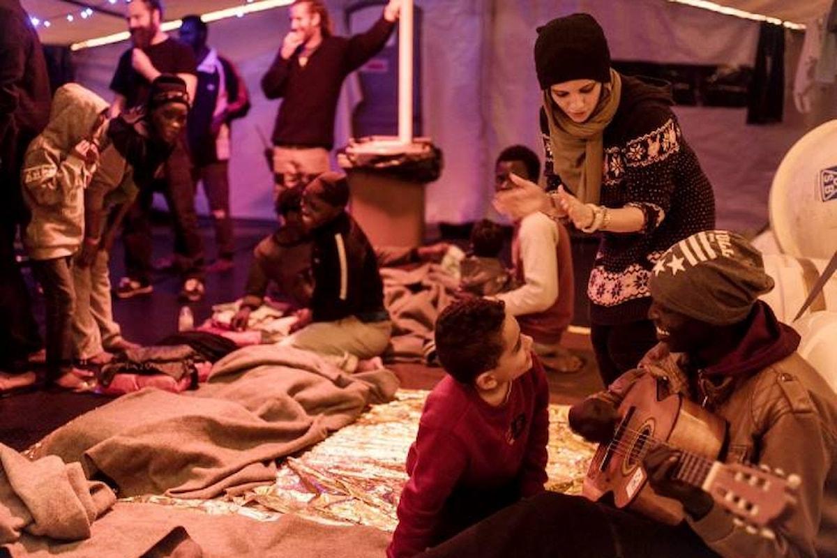 Continua l'odissea dei migranti a bordo della Sea-Watch, diretta verso la Libia alla ricerca di nuovi naufraghi