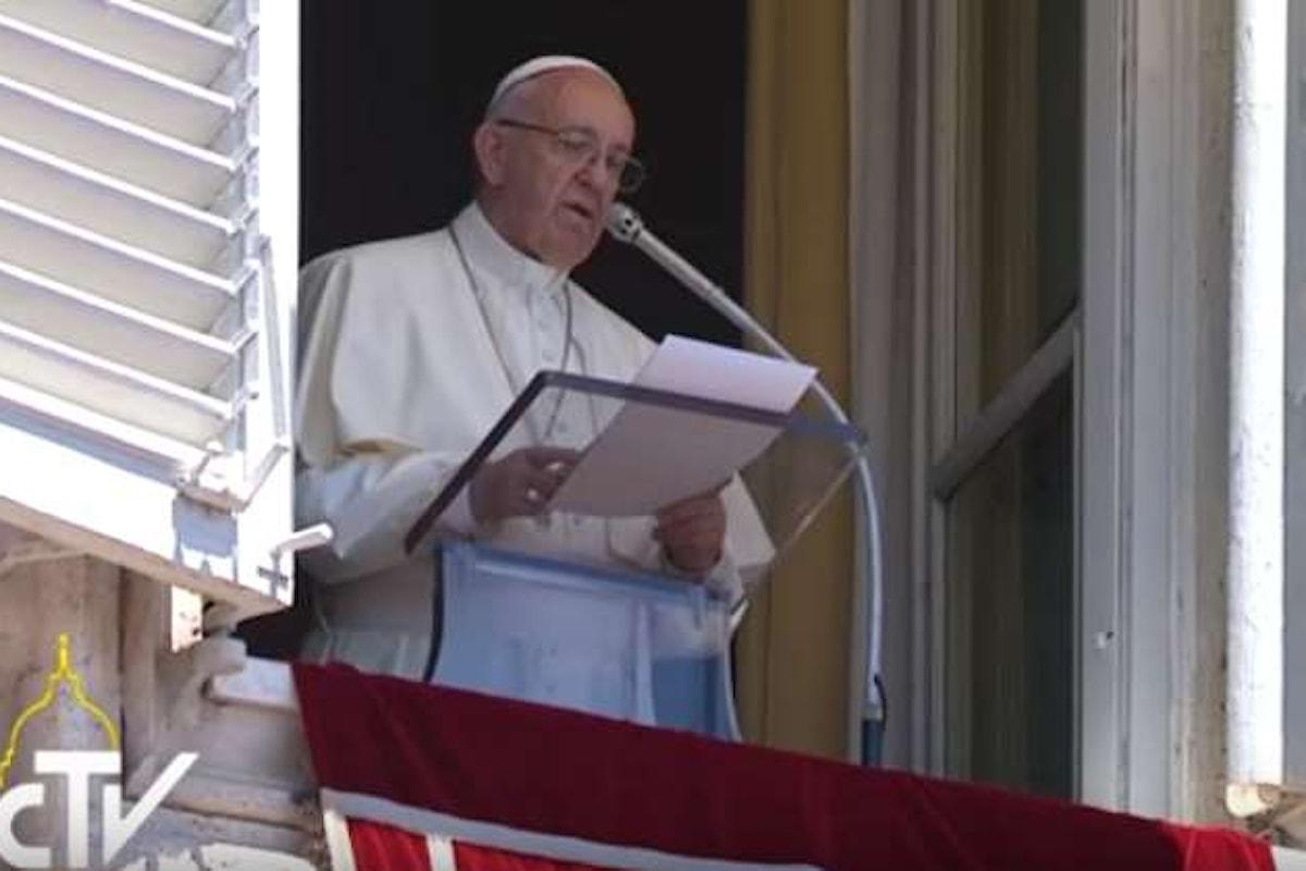 All'Angelus il Papa bacchetta Mediaset
