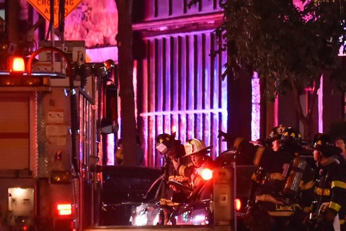 Forte esplosione a Manhattan, ordigno esplode dentro cassonetto