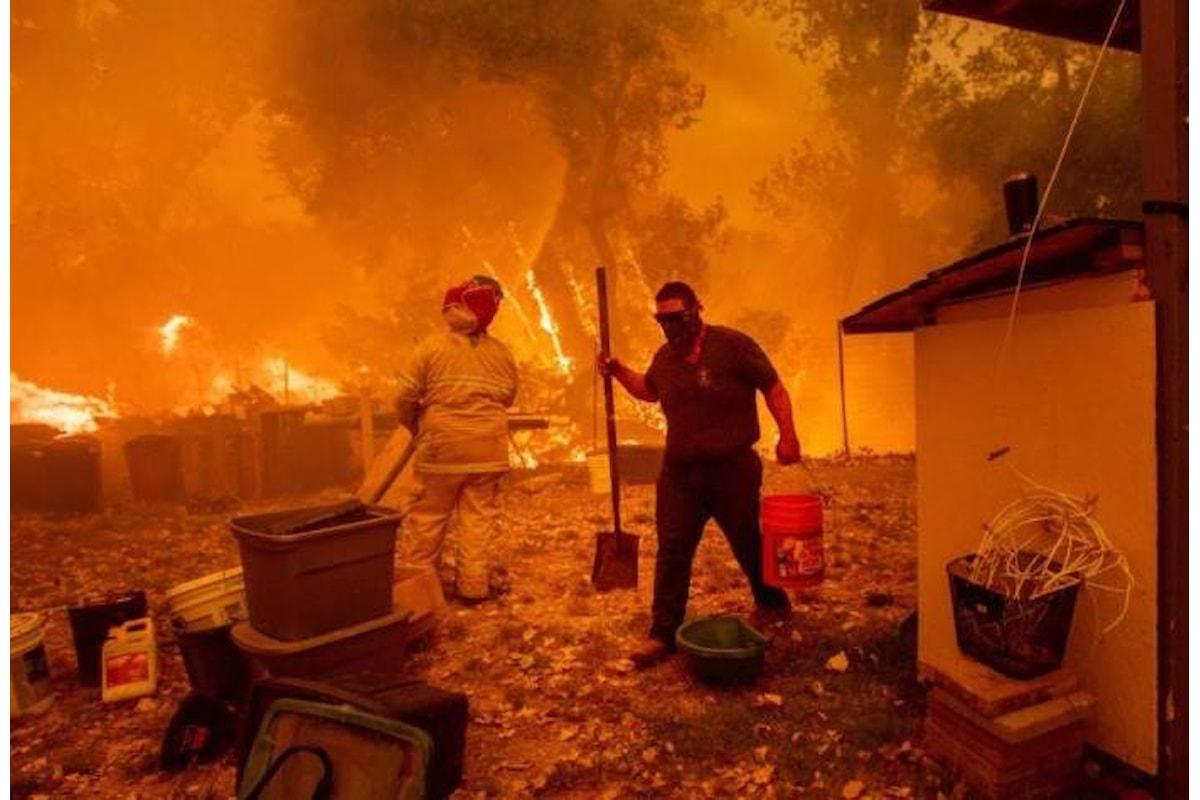 Aumenta dimensioni e pericolosità il Mendocino Complex, l'ultimo grande incendio che sta devastando la California