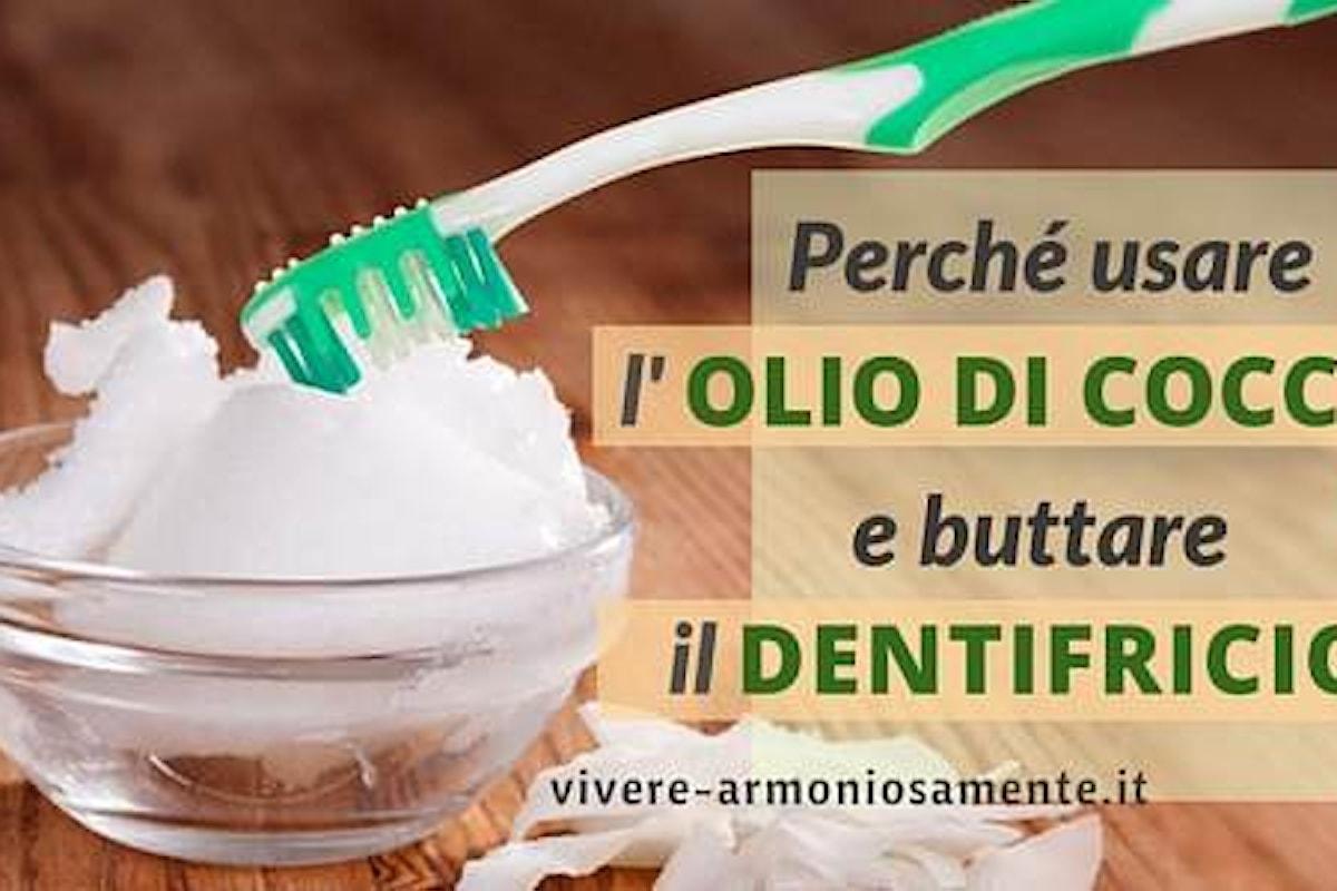 Perché Usare L'Olio di Cocco al Posto del Dentifricio