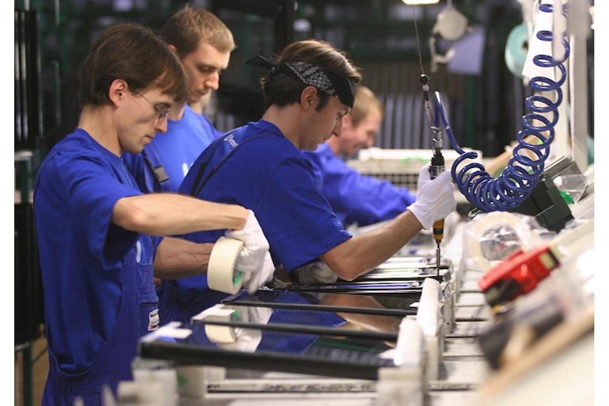 Istat, in calo la produzione industriale a dicembre 2017
