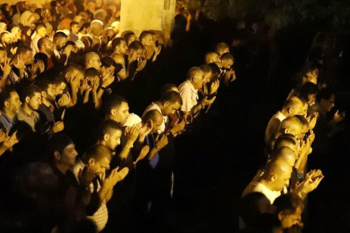 Per i palestinesi la crisi dovuta ai metal detector si è trasformata in una vittoria da festeggiare